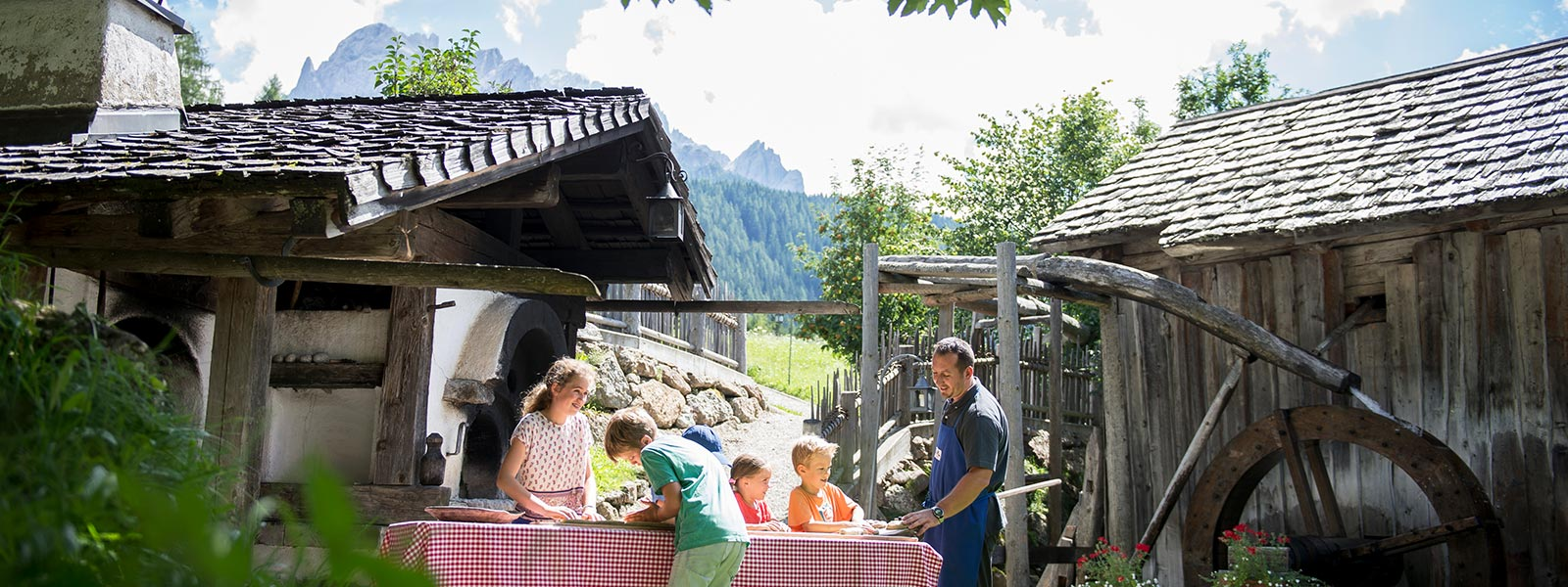 Brotbacken im Family Resort Rainer