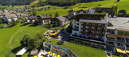 Family Resort Rainer im Sommer
