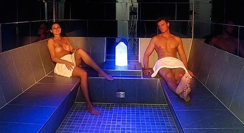 Turkish bath with aromas
