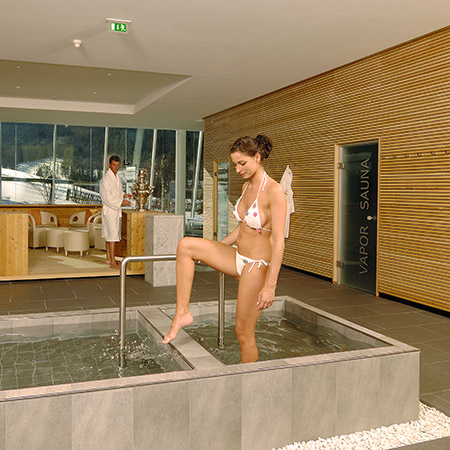 Kneipp bath at the Family Resort Rainer